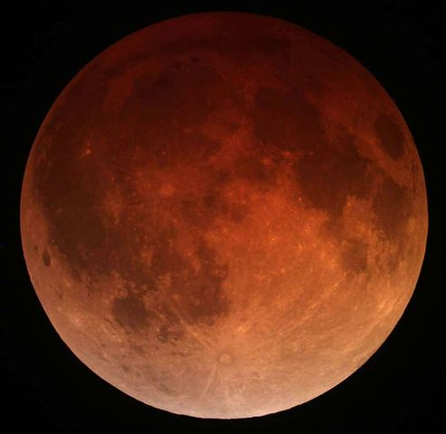 Difference Between Lunar Eclipse and New Moon