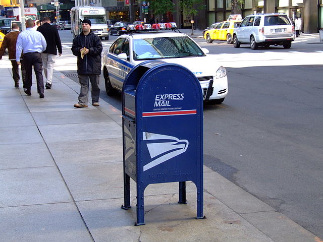 Difference Between USPS First Class and Priority
