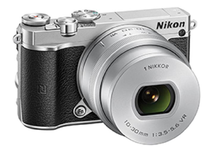 Key Difference - Canon PowerShot G3 X vs Nikon 1 J5
