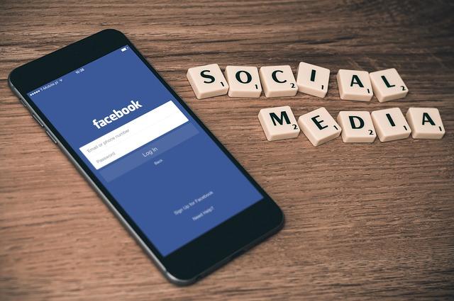 digital marketing vs. social  media marketing key difference