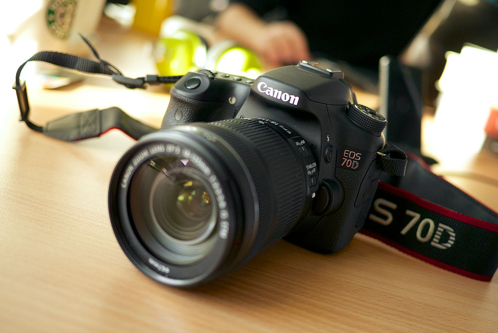 Difference Between Canon EOS 7D Mark II and Canon 70D