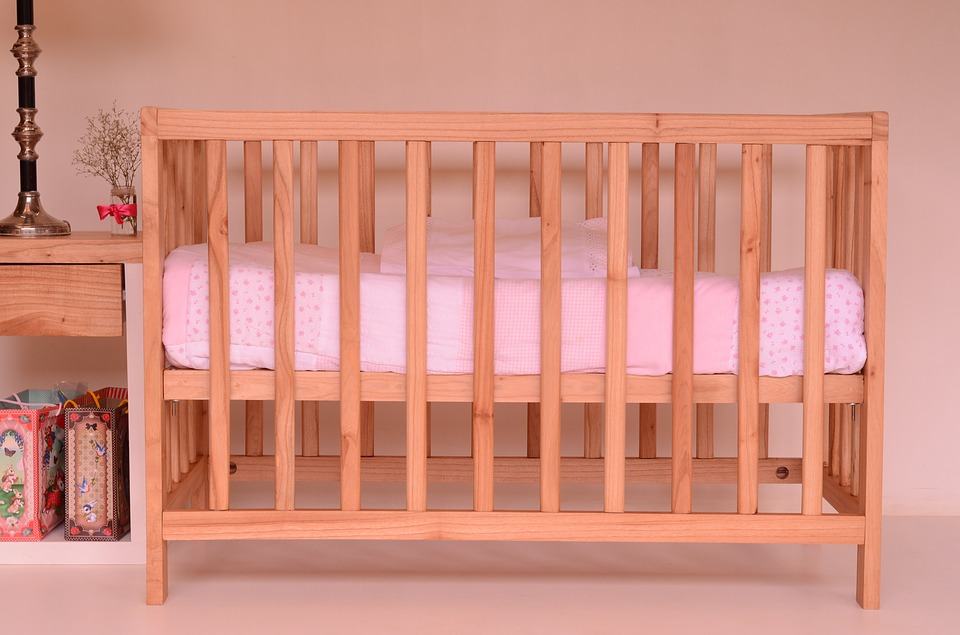 Key Difference - Bassinet vs Cot