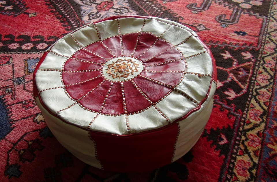 Main Difference - Ottoman vs Hassock