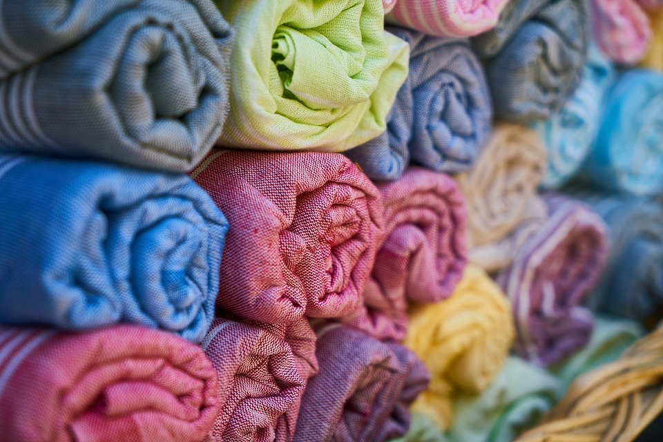 Key Difference - Cotton vs Polyester