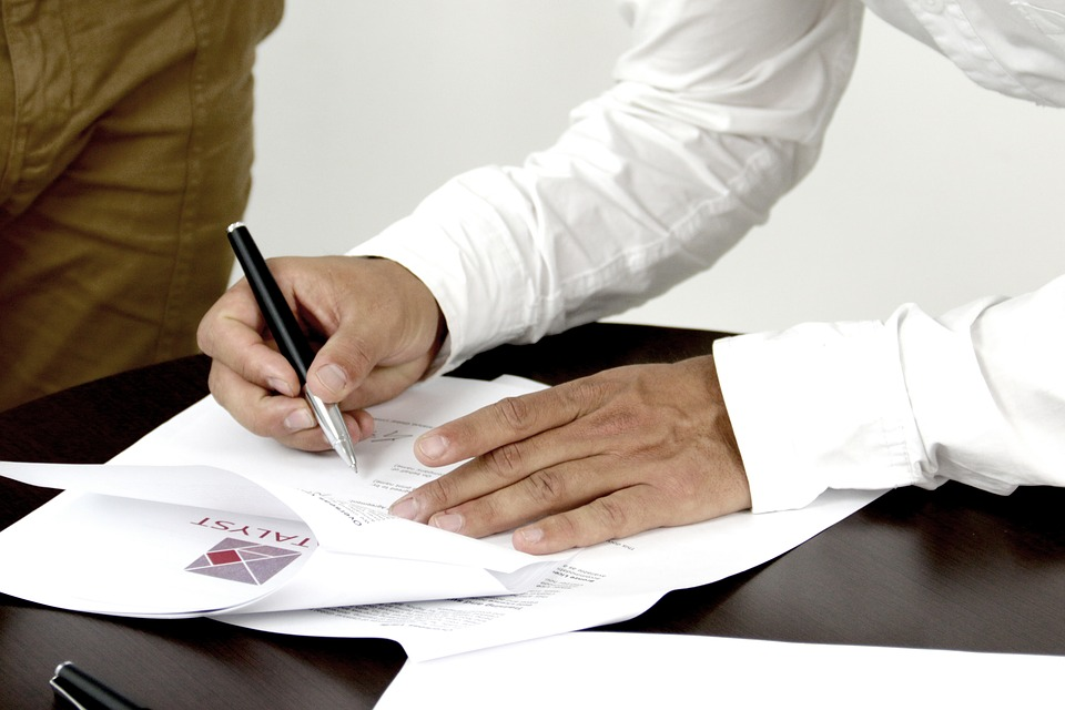 Difference Between Contract and Purchase Order